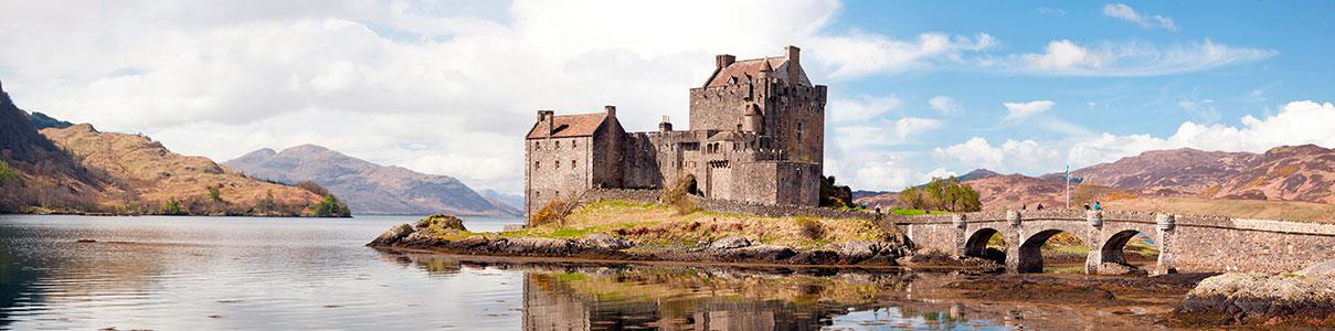 Термальная вода вокруг Древнего замка Шотландии